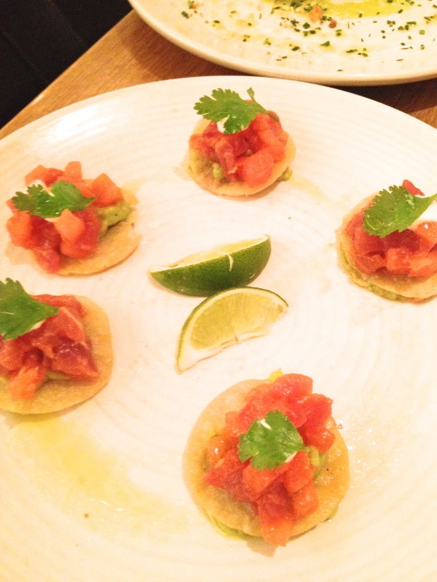 ahi tuna mini-tostadas